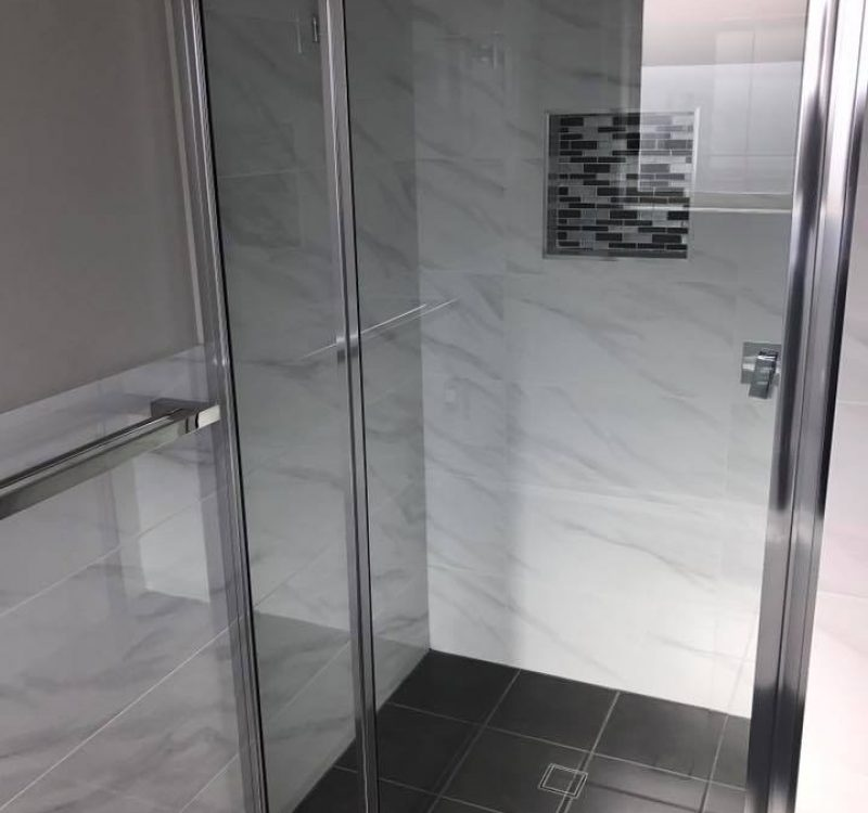 Framed Showerscreen