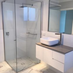 Semi-Frameless Showerscreens