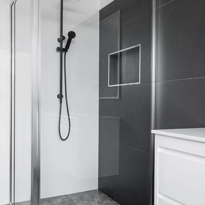 Framed Pivot Showerscreen